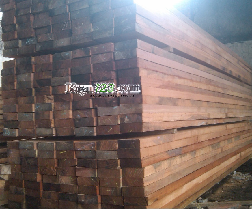 harga kayu kempas