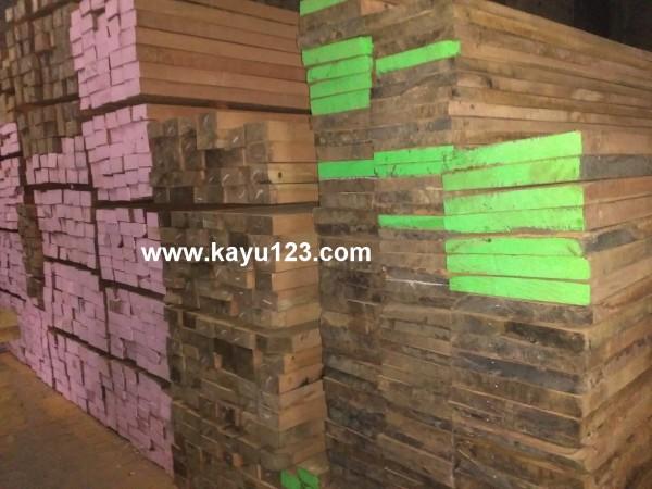 Jual kayu kamper singkil
