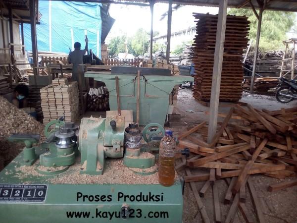 dowel kayu